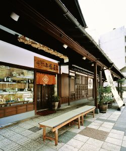 shop-img_honten01
